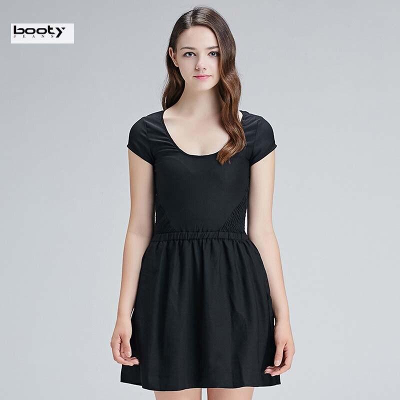 Маленькое платье с коротким рукавом