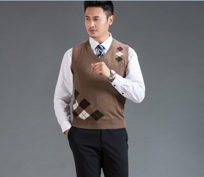 High Quality Autumn Winter New Fashion V-neck Sleeveless Plaid Sweater Men Casual Sweater Cashmere Vest