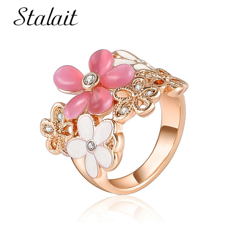 Chic Opals Flower Hollow Ring For Female Bohemian Mosaic Rhinestone Rose Gold Color Alloy Women Engagement Jewelry