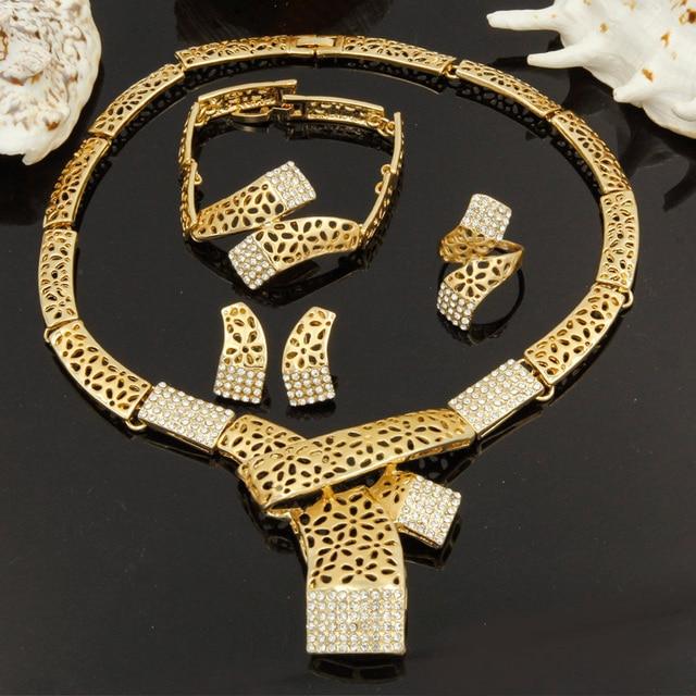 f8b409ee7f4a 2017 nueva Moda Dubai conjuntos de joyas de oro Italiano retro estilo  bufanda collar de diseño