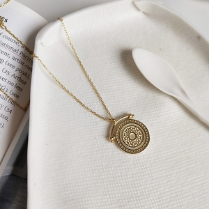 Image 1 - LouLeur 925 srebro okrągłe żyły naszyjnik złoty elegancki wzór nowy modny tekstury naszyjnik dla kobiet biżuteria