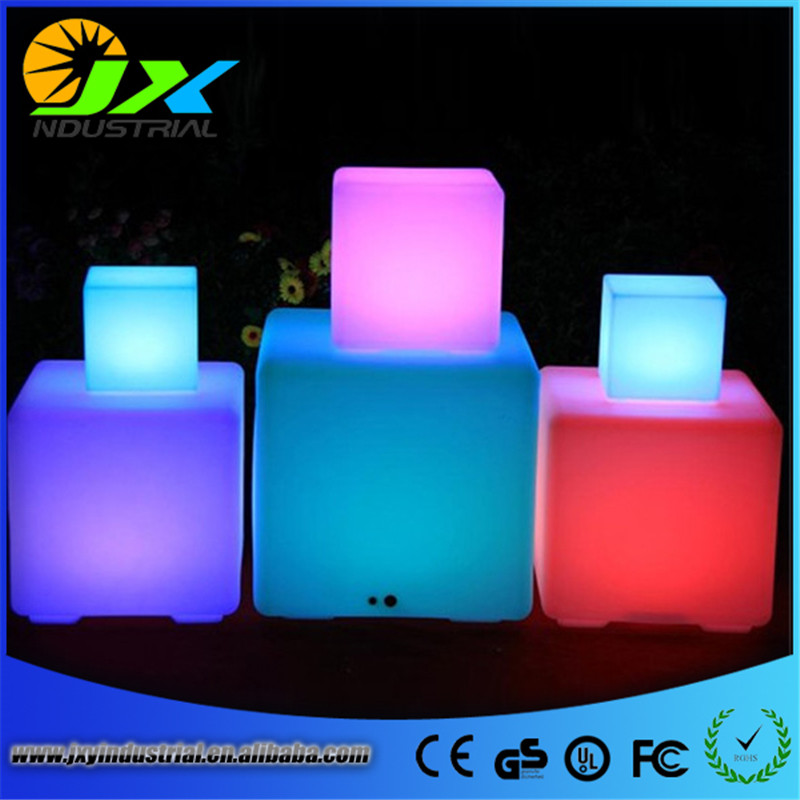 ФОТО 20cm RGB rechargeable led cube chair plastic outdoor furniture remote, led cube stool 16 colors change led cube chrismas light