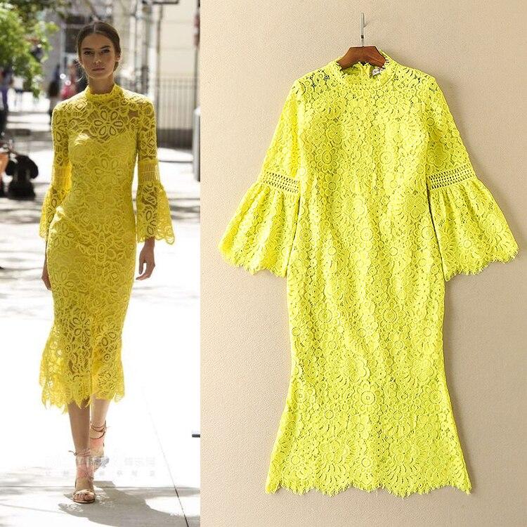 2add52d4d3114 2018 الخريف الإناث الأزياء الأوروبية الأصفر المياه للذوبان المطرزة حورية  البحر الدانتيل اللباس مضيئة كم زائد حجم فساتين S-XXL