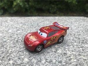 Image 4 - タカラトミーtomicaディズニーピクサー車保安官/王/flo/サリー/チックヒックス/母校/ドクハドソン金属ダイキャストおもちゃの車新