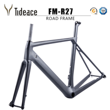 купить 2018 NEW Chinese Carbon Road Frame T800 UD black Aero full carbon fiber road bike frame QR or thru axle 47/49/51/53/55cm по цене 35105.72 рублей