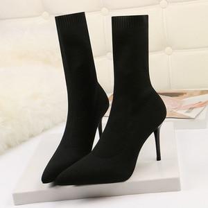 Image 1 - SEGGNICE Sexy Sok Laarzen Breien Stretch Laarzen Hoge Hakken Voor Vrouwen Mode Schoenen 2020 Lente Herfst Enkellaarsjes Laarsjes Vrouwelijke