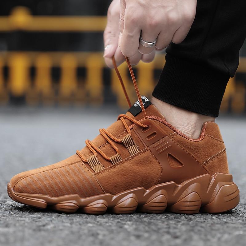 נעלי ריצה קיץ לגברים בחוץ סניקרס אתלטיות לנשימה קל משקל שרוכים ללבוש נעלי מאמני גברים