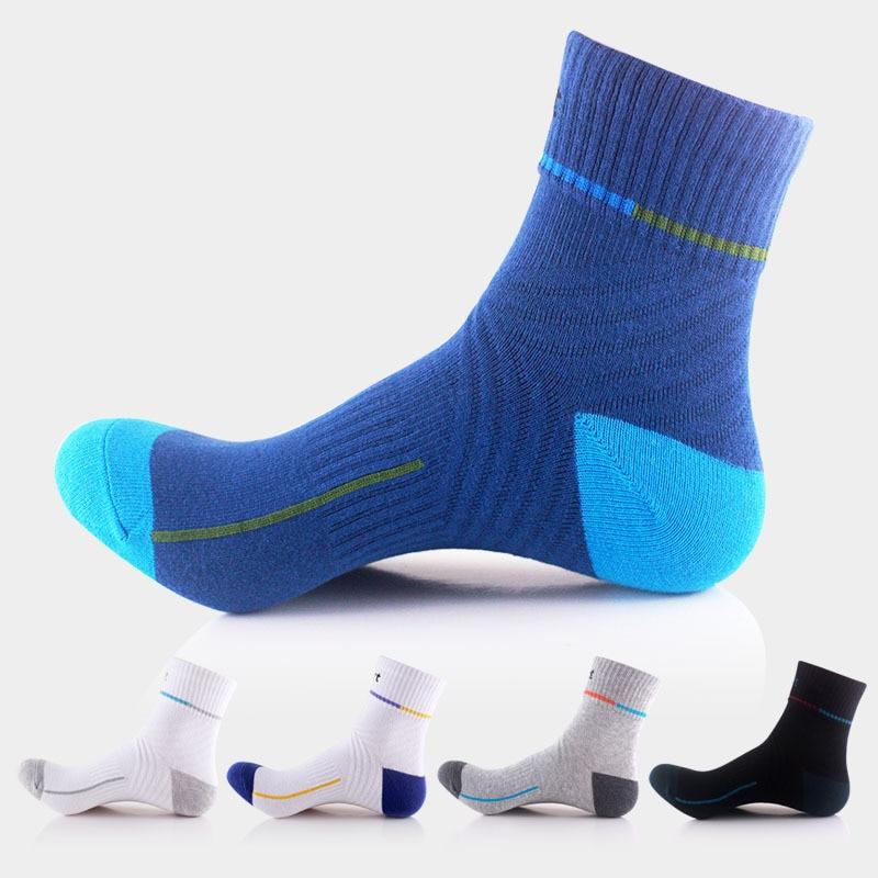 4 pár / tétel 2016 őszi téli férfiak sport zokni pamut lélegző rugalmas termál sport zokni szabadtéri kosárlabda futó zokni