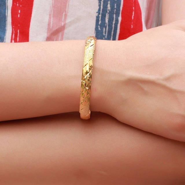 Fate Love New Fashion Elegant Bridal Bracelets Gold Color Flower Pattern Cuff Bangel 7mm Bracelet Woman Accessory Jewelry FL764 3