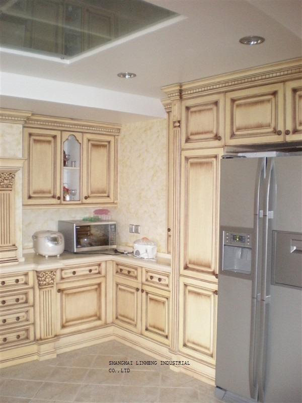 Classic Solid Wood Kitchen Cabinet Furniture (LH-SW030)