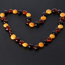 Fashion women's necklace jewelry, Baltic Haiyuan mine, natural amber wax wax ball engagement accessories