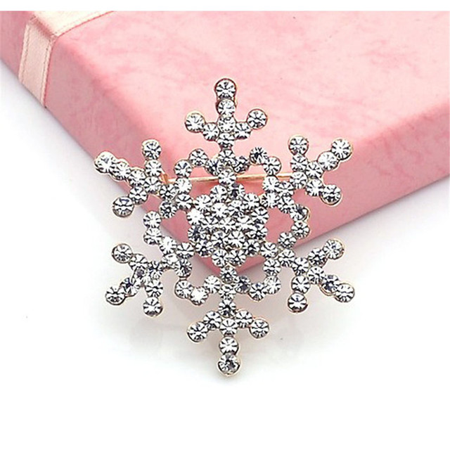 Luck dog Fashion Brooch Pin Crystal Rhinestone Large Snowflake Winter snow Theme