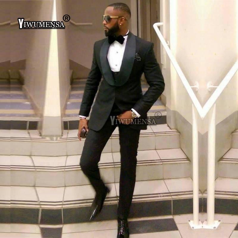 سروال أسود رفيع الرجال يناسب الزفاف العريس البدلات الرسمية شال طية صدر السترة مخصص الذهب الأبيض الرجال بدل زفاف 2019 Traje دي هومبر-في بدلة من ملابس الرجال على  مجموعة 1