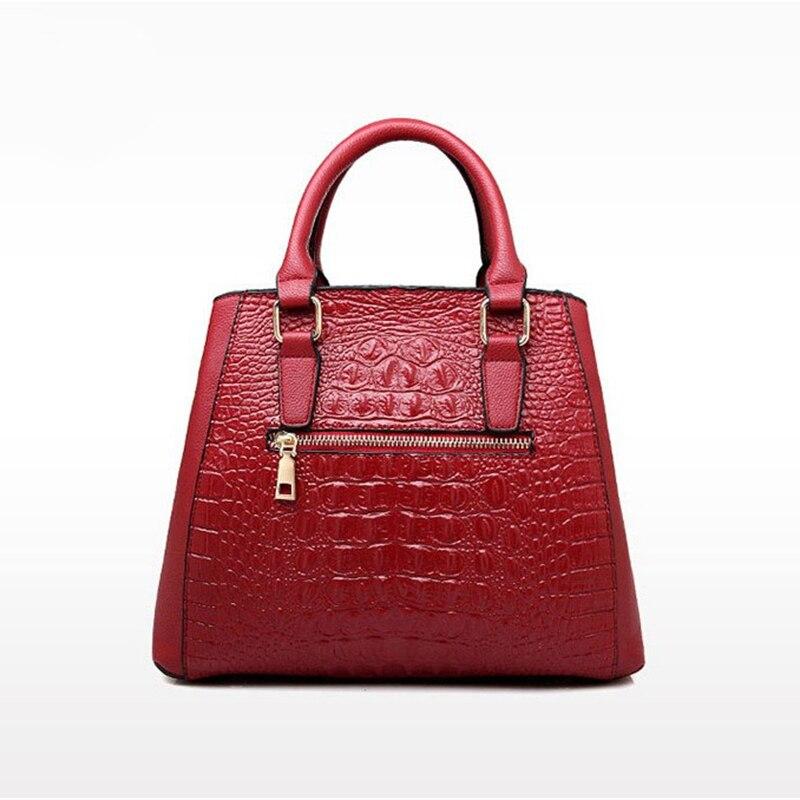 a2a3f38a39 Wholesale Women s Cheap Leather Bag Vintage Crocodile Embossed Big Shoulder Bag  Vintage Style Handbags Female Handtassen HQ8937 -in Shoulder Bags from ...