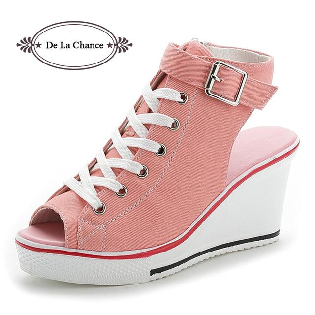 Novas Senhoras Sandálias de Plataforma Sapatos de Verão Sandálias de Dedo Aberto das Mulheres Inclinação Com Sandálias Plataforma Cunha Rosa Preto Branco Vermelho