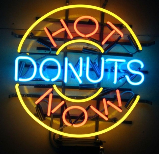 Hot Now Donuts Neon Light Sign Beer Bar