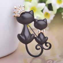 Cute CP Cat With Crown Queen Brooches 18Ok Gold Plated Rhinestone Animal Broches For Youngsters Hijab Pins UP Shirt Collar Suggestions Jewellery