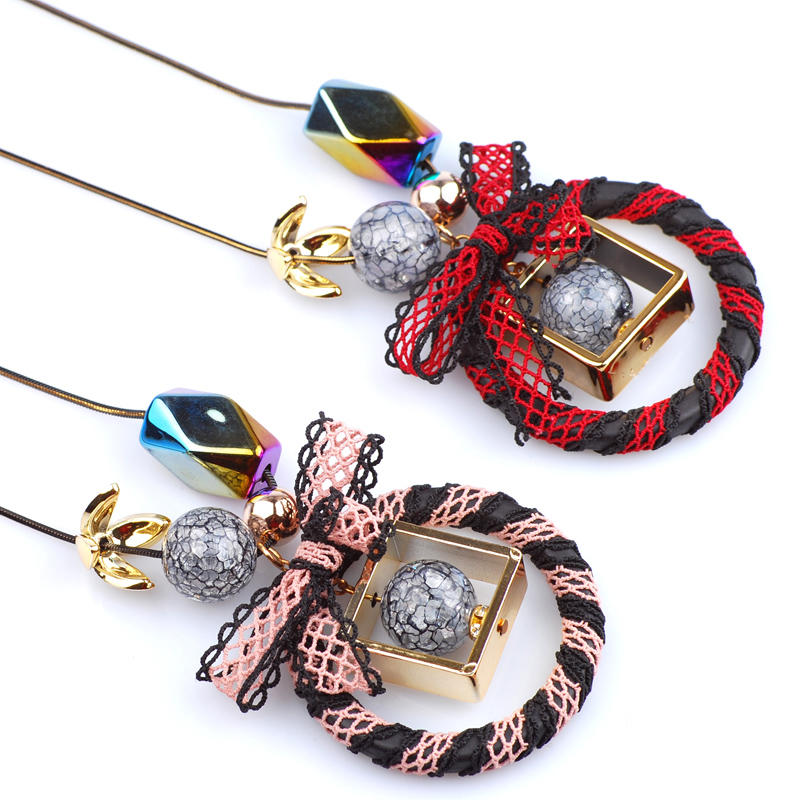 New Arrivals Bowknot On A Circle Shaped Pendant Necklace Women Sweater Chain Long Christmas Necklace Mother Sister Birthday Gift