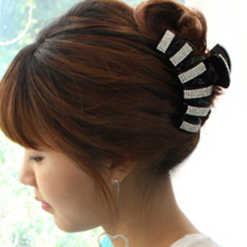 Korean Hot Fashion Large Acrylic Full Crystal Rhinestone Hair Claw Clip For Women Hair Accessories Girls Hair Jewelry Headwear 12cm large acrylic studs crystal claws women black hair clip super quality hair claw black white colors girl hair accessories