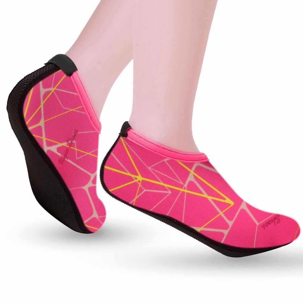 Yüzme Su Aqua Ayakkabı Erkekler Kadınlar plaj ayakkabısı Unisex Aqua Düz Yumuşak Yürüyüş Sevgilisi yoga Ayakkabı kaymaz Ayakkabı