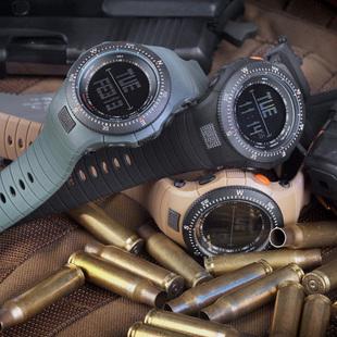 Prix pour Cool Design De Haute qualité bracelet en caoutchouc Militaire de L'armée Suisse de Sports De Courroie Des Hommes Militaire Montre 6 couleurs Noir et Blanc mouvement