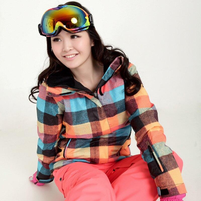 c352fe205afb Envío Gratis nueva marca impermeable chaqueta de esquí a prueba de viento  mujer deportes de invierno chaquetas de esquí vacaciones snowboard turismo