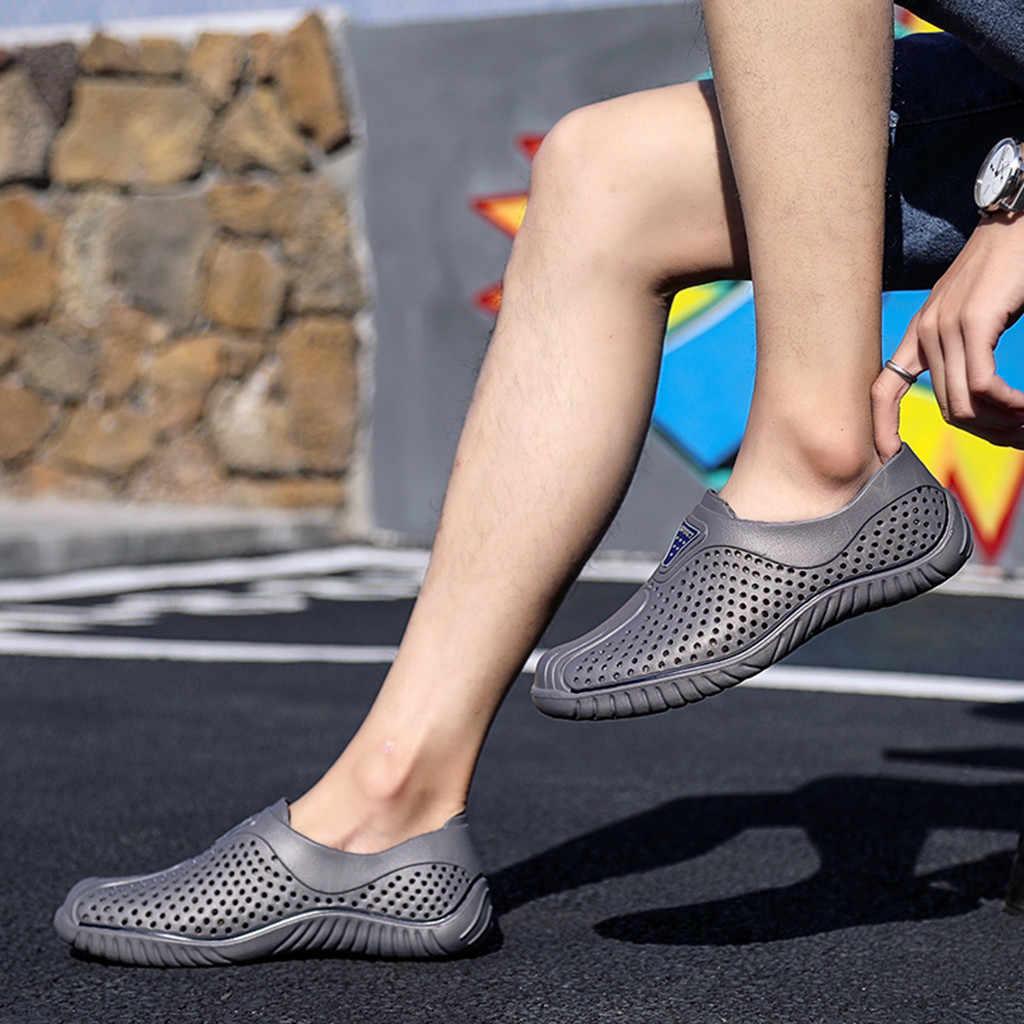 Zapatos de hombre 2019 verano color sólido moda de los hombres Casual ahueca hacia fuera transpirable deslizamiento suave en el deporte al aire libre playa de goma zapatos