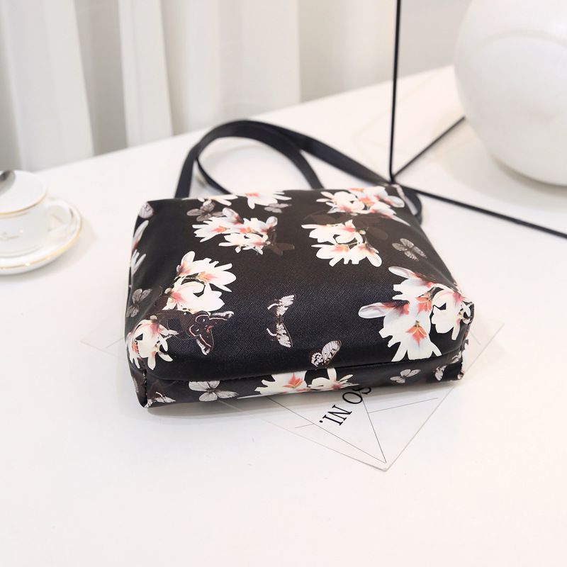 High Quality PU Leather Women Messenger Crossbody Bags Fashion Flower Design Black Flowers Shoulder Bags Girls Ladies Purse 2017