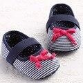 Clássico Listrado Azul Sapatos de Bebê Meninas Infantis Arco Crianças Tênis De Marca Crianças Chinelos Primeiros Walkers Suave Sole Criança Plana