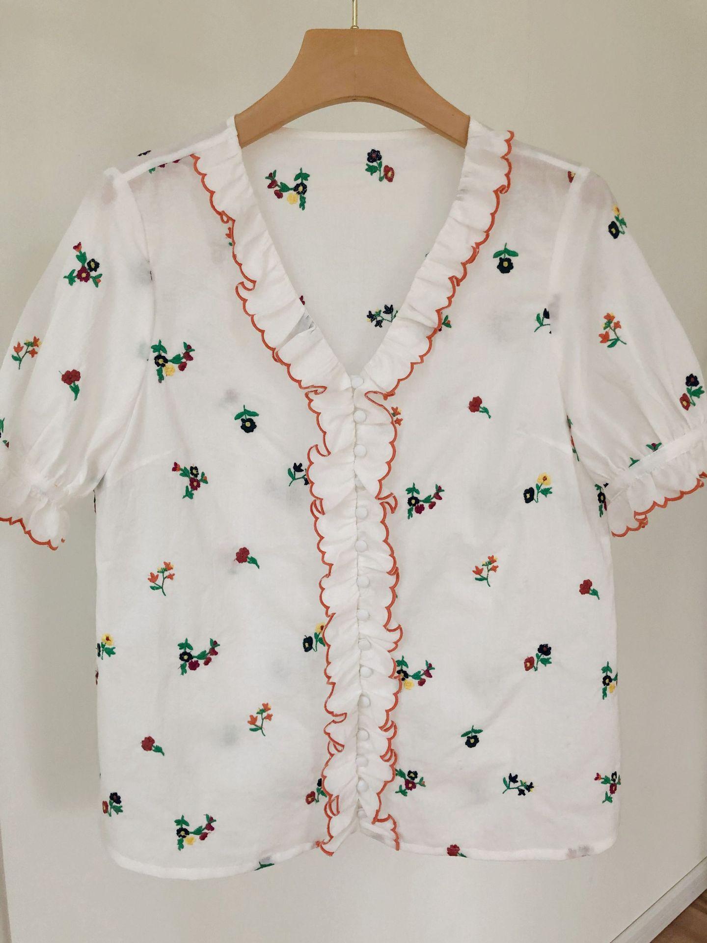 Women Shirt Vintage Literary Flower Embroidery Wavy Wooden Ear Buckle Cotton Short Sleeve Shirt