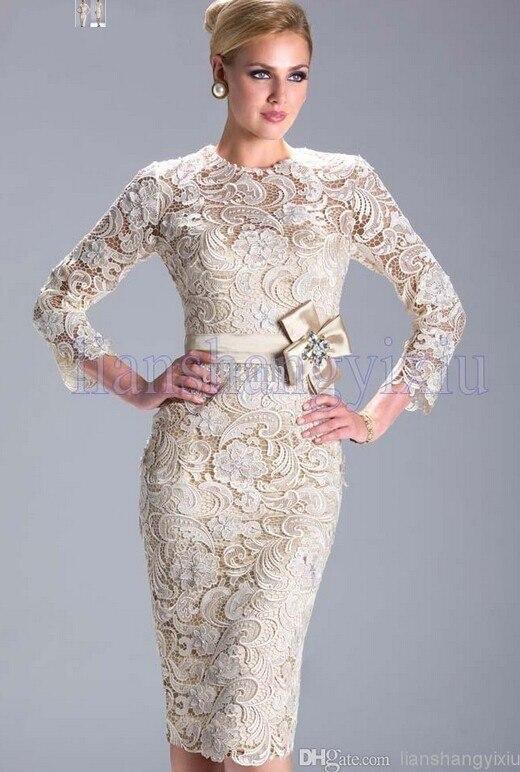 Champagne 2018 mère de la mariée robes gaine genou longueur dentelle arc grande taille marié formelle courte mère robes pour mariage