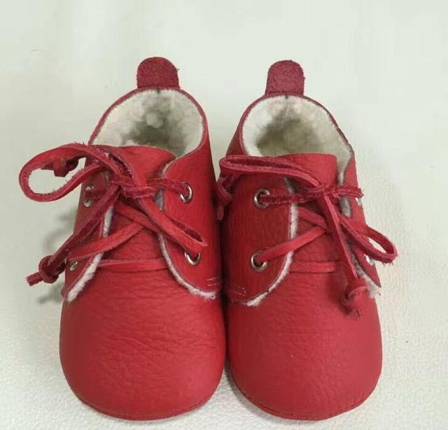 Retail New Genuine Leather Baby Moccasins Shoes lace up solid oxford Baby Shoes with fur warm Newborn first walker Infant Shoes