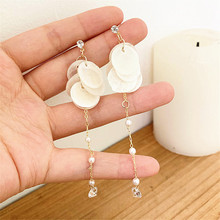 Shell earrings femininity of South Koreas atmospheric eardrop geometric wholesale woman contracted 2019 new trend