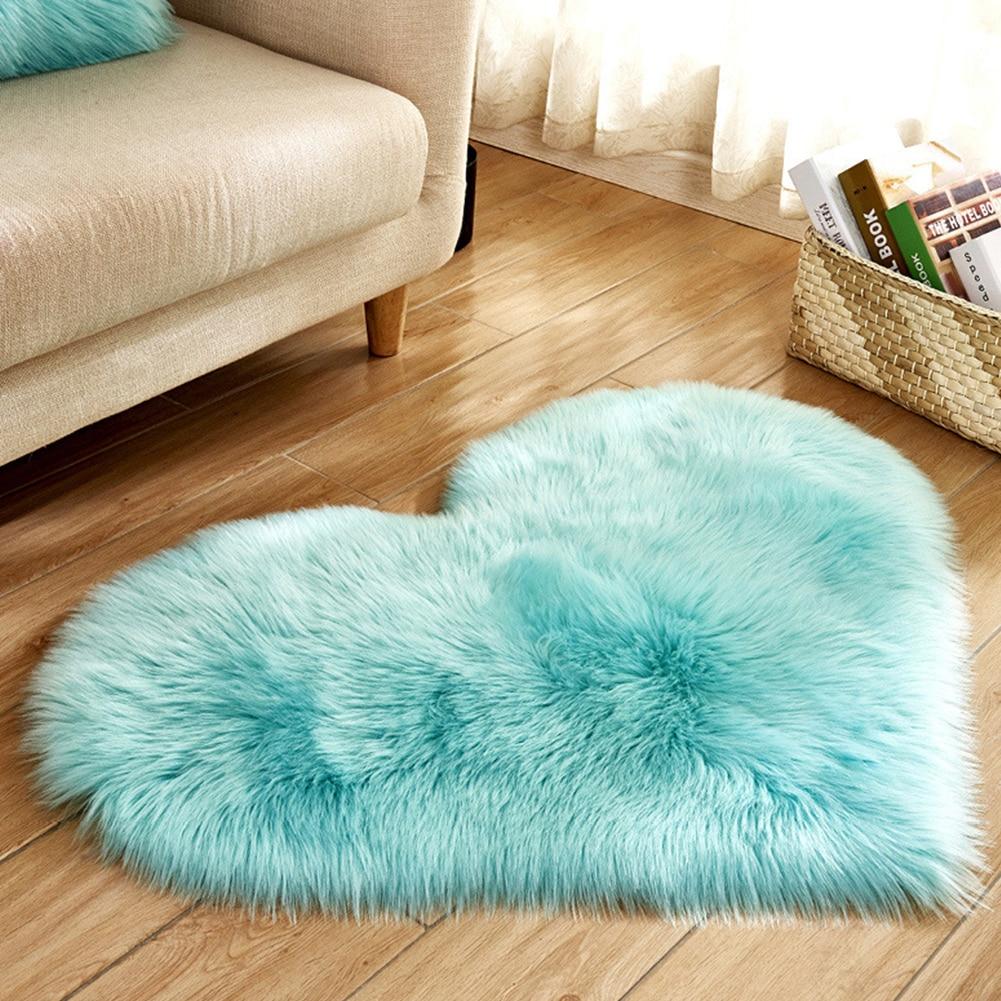 Bedroom Plush Rugs Mat Home Decoration Non Slip Imitation Wool Living Room Fluffy Heart Shape Soft Blanket