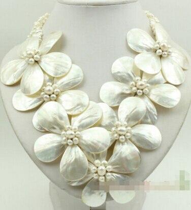 Chaud-vente blanc MOP shell perle et perle fleur collier