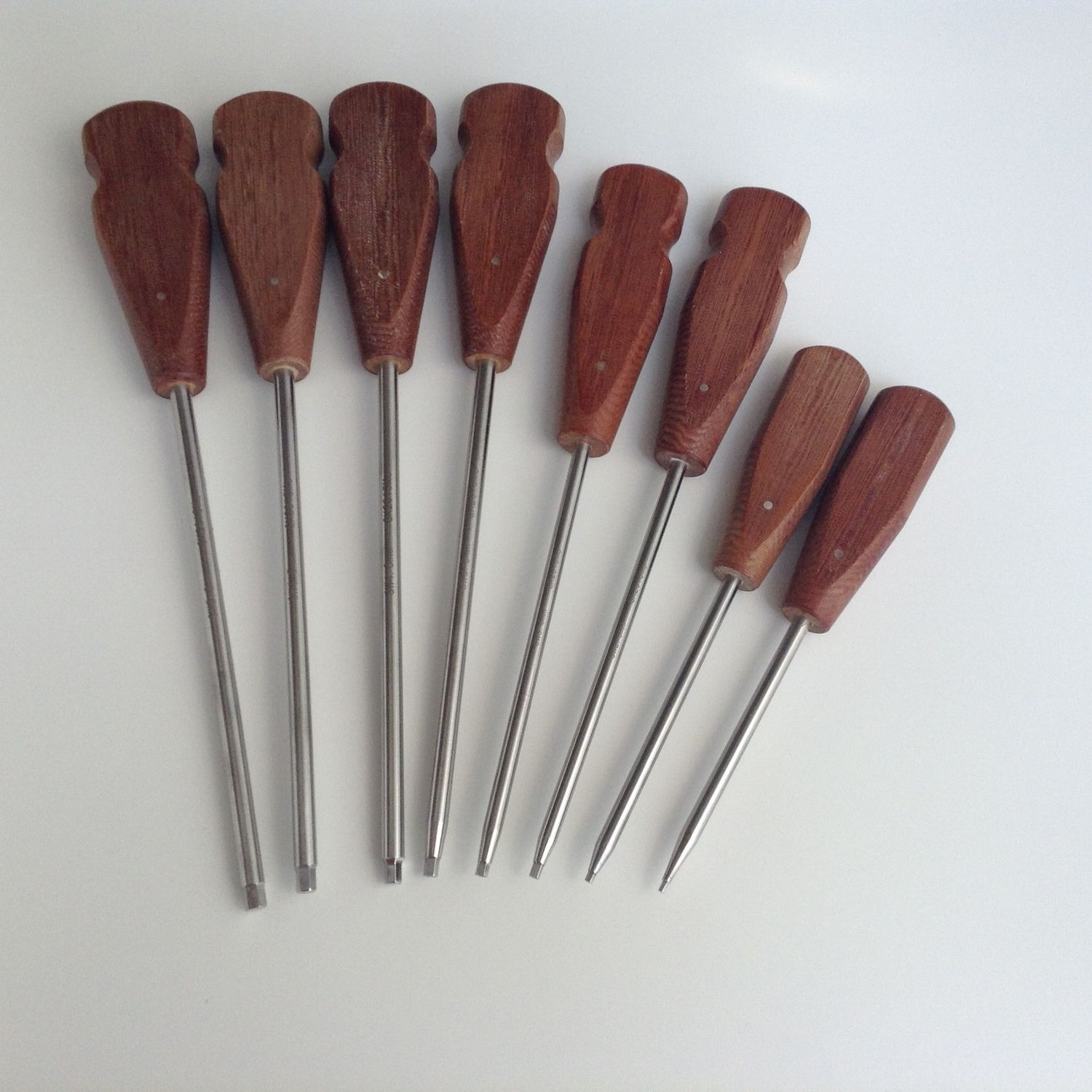 A set of 8 pcs Bone Screwdriver Hex Head Veterinary orthopedics Instruments 100 pcs cattle bone