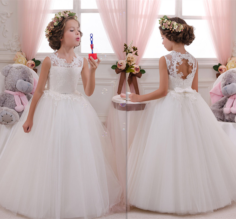 Flower Girl Dresses New Ball Gown White Lace Sleeveless O Neck Wedding Pageant Gown First Communion Dresses for Little GirlsFlower Girl Dresses New Ball Gown White Lace Sleeveless O Neck Wedding Pageant Gown First Communion Dresses for Little Girls