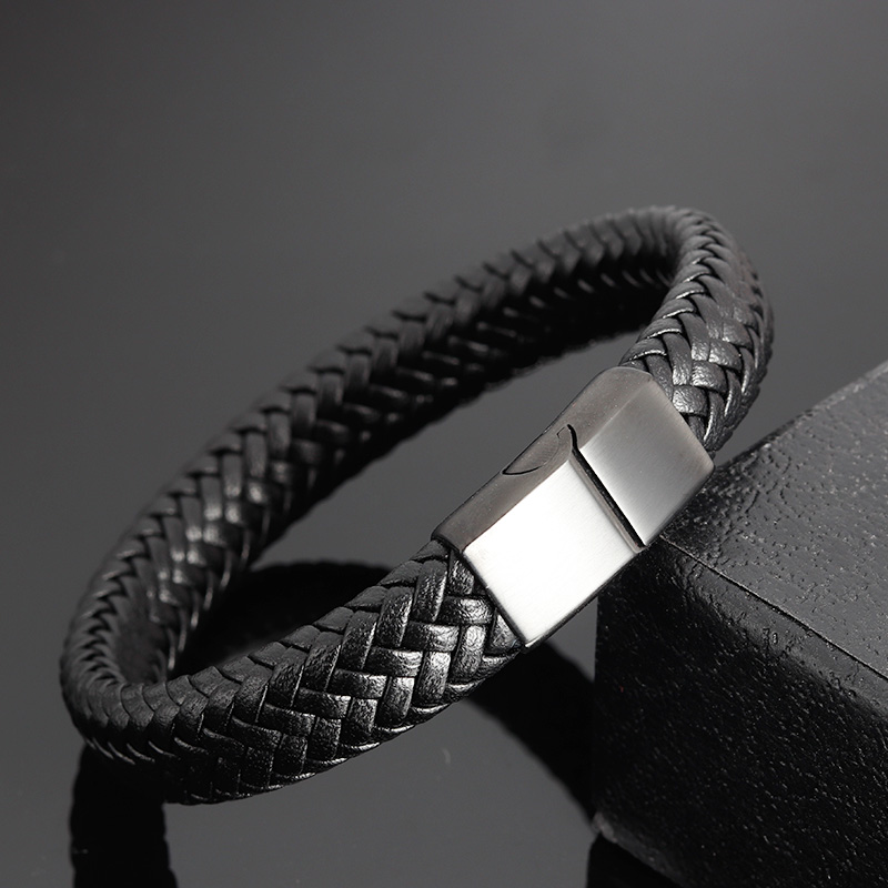 Classic Men Jewelry Genuine Leather Bracelets Stainless Steel Bracelets Black Rope Chain Fashion Wristband for Male Gift Magnet