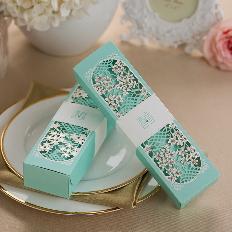 50 pcs Laser cutting Tiffany Blue Box packing Wedding Invitation card Tiffany Blue Scroll Invitation card Wedding Supplies