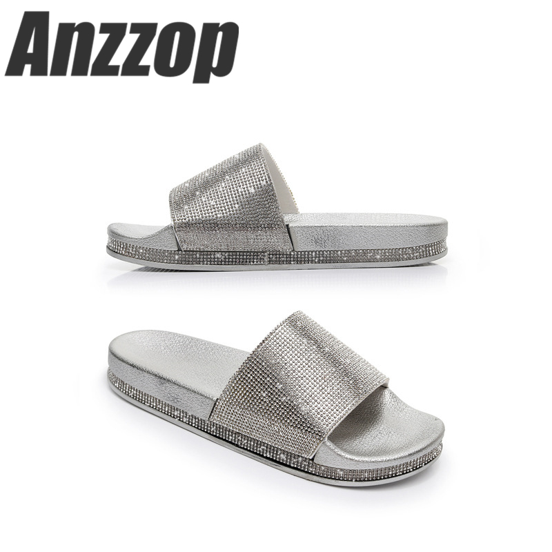 Luxury rhinestone ladies 2019 new slippers summer wear flip flops beach seaside slip fashion luxury wild casual home slippers in Slippers from Shoes