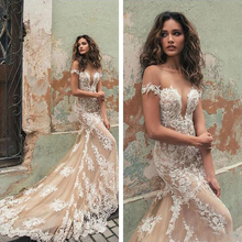 Sexy sweetheart mermaid wedding dresses 2019 Sleeveless Lace Applique Champagne open back Bridal Gowns