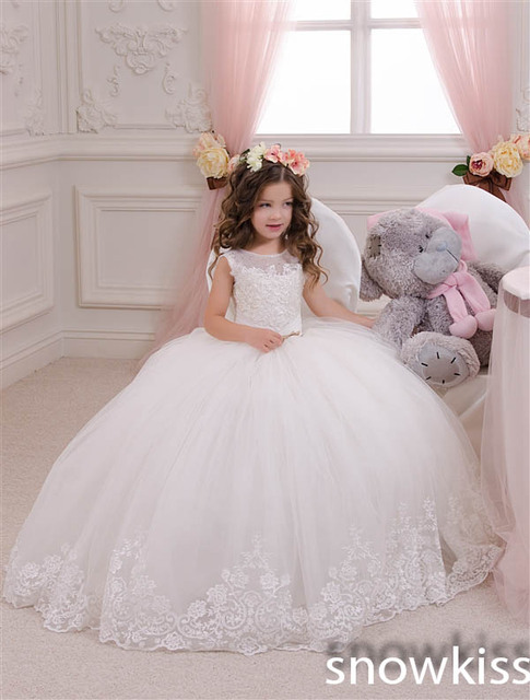 New Lace Flower Girl Dresses for special occasions White Ivory Ball Gowns  holy communion dress Princess Beauty baby party frocks d04d3ab90be4