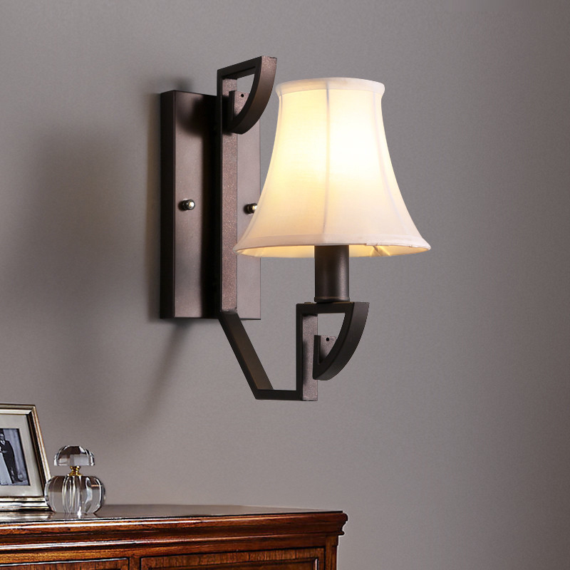 Retro Wall Light Modern Chinese Wind Antique Style Fabric Lampshade Wrought Iron Wall Lamp Sconce Bedside Lamp For Bedroom