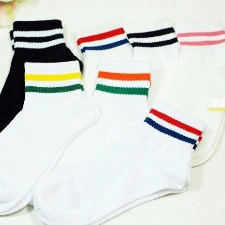 free shipping Ultra-Western style fashion beauty socks! Two bars Japanese female models socks cotton socks colored stripes skate