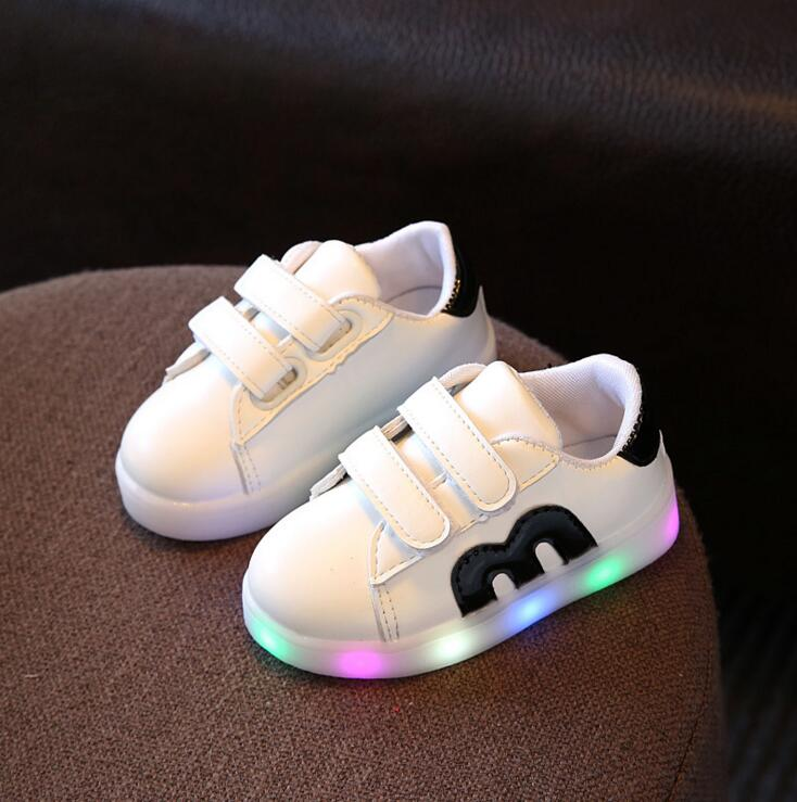 Girls Shoes Baby Hook Loop Kids Led Luminous Shoes Boys Glowing Sneakers Little Girls Children Princess with Colorful Lights