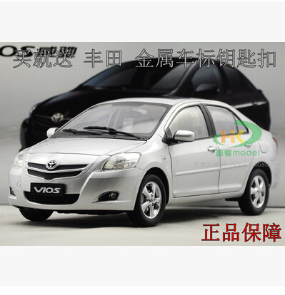 ФОТО TOYOTA VIOS 2008 New 1:18 Original simulation alloy car model Japan family cars FAW Toyota Collection  Silver