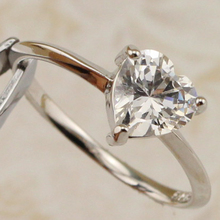 Size #5.5 #6.5 #7.5 #8.5 #9.5 Elegant Magic Nice Heart White CZ Gems Ring Platinum Plated Jewelry Gift For Women MB381A