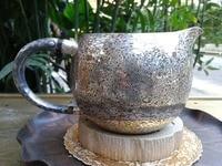 Под дерево золото Чай море стерлингового серебра 274 г чашки с подарочной коробке Чай церемонии Интимные аксессуары