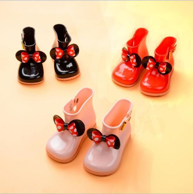 2018 yaz Çocuk Sevimli Ilmek Çizmeler Kızlar Jöle Su Botları Prenses Ayakkabı Yumuşak Botları ÇOCUKLAR Kaymaz Ayakkabı