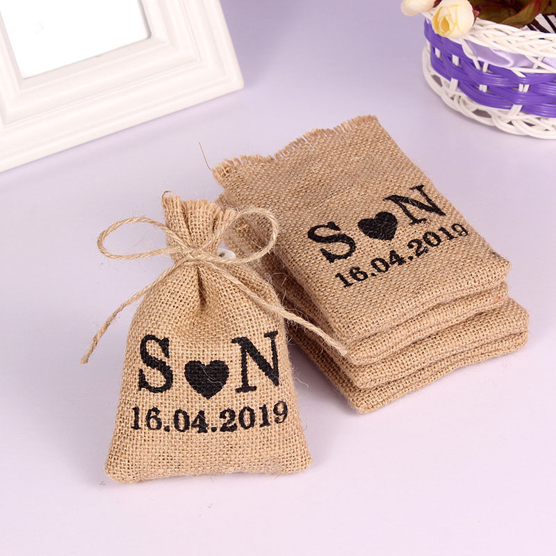 Drawstring Personalized Custom Bag Packaging 14Cm Guests Small 50PCS Hessian Wedding Name 10 Pouchs For Gifts Gifts Bags Burlap